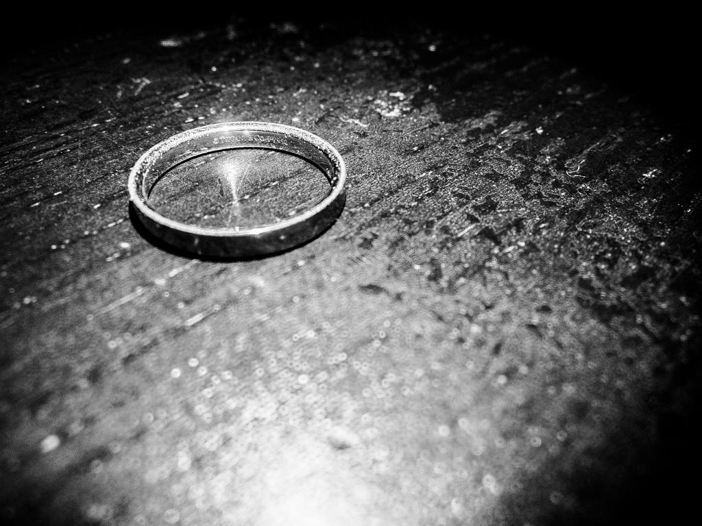 serve divorce papers